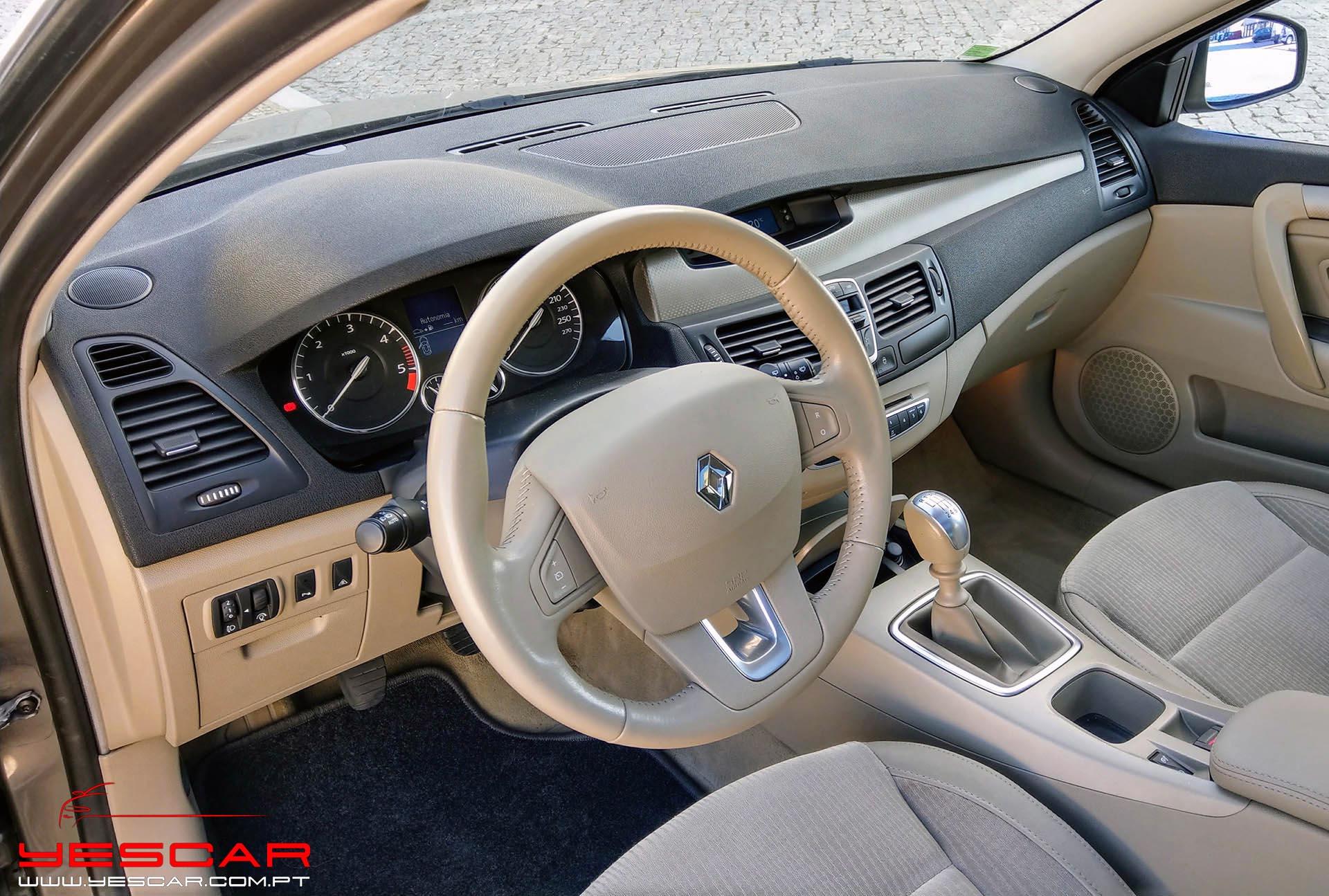 YESCAR_Renault_Laguna_SW (17)