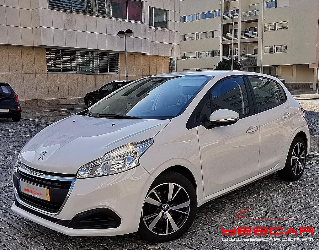 Peugeot 208 YESCAR automóveis Rua António Enes 51 Porto