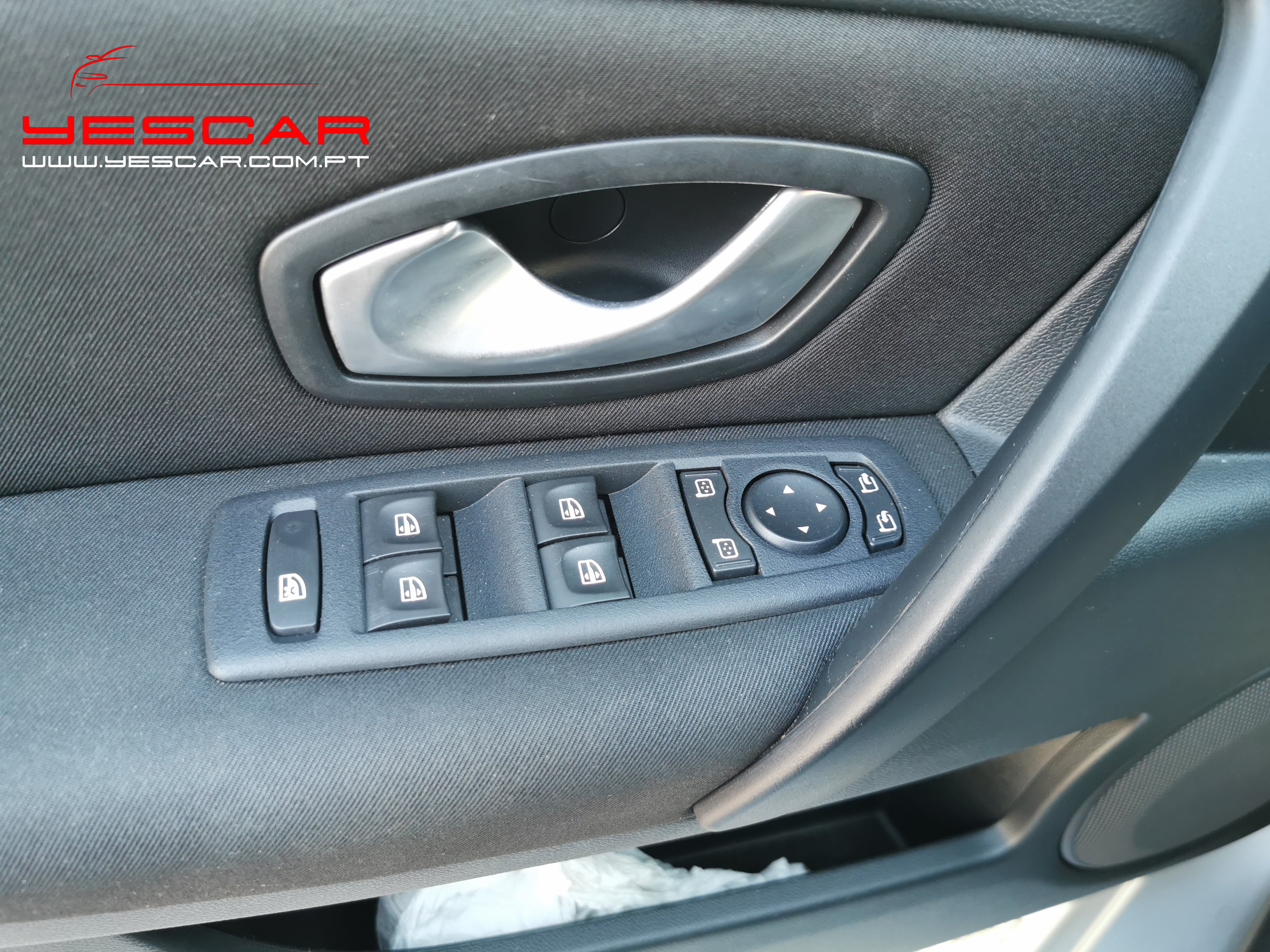 YESCAR_Renault Laguna SW (12)
